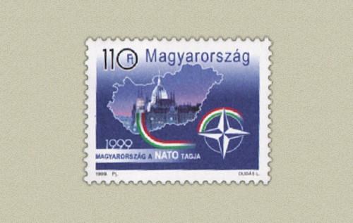 MAGYARORSZAG A NATO TAGJA